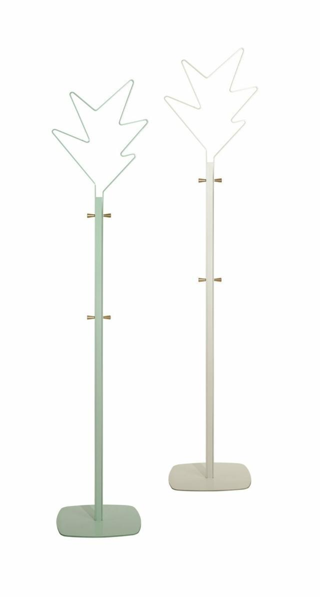 ) Appendiabiti Stella (design Alessandro e Francesco Mendini) di Caimi Brevetti, 2016.