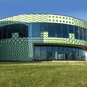 Sede e showroom Henry Glass a Mansuè (progetto Alessandro e Francesco Mendini), 2017.