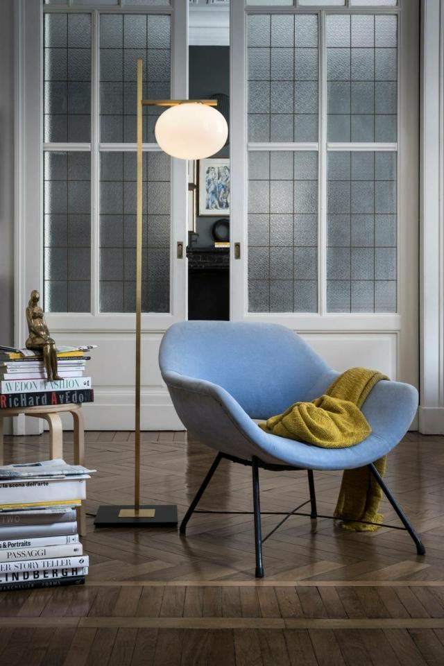 lampada da terra Oluce Alba Floor design Pellegrino foto Brusaferri