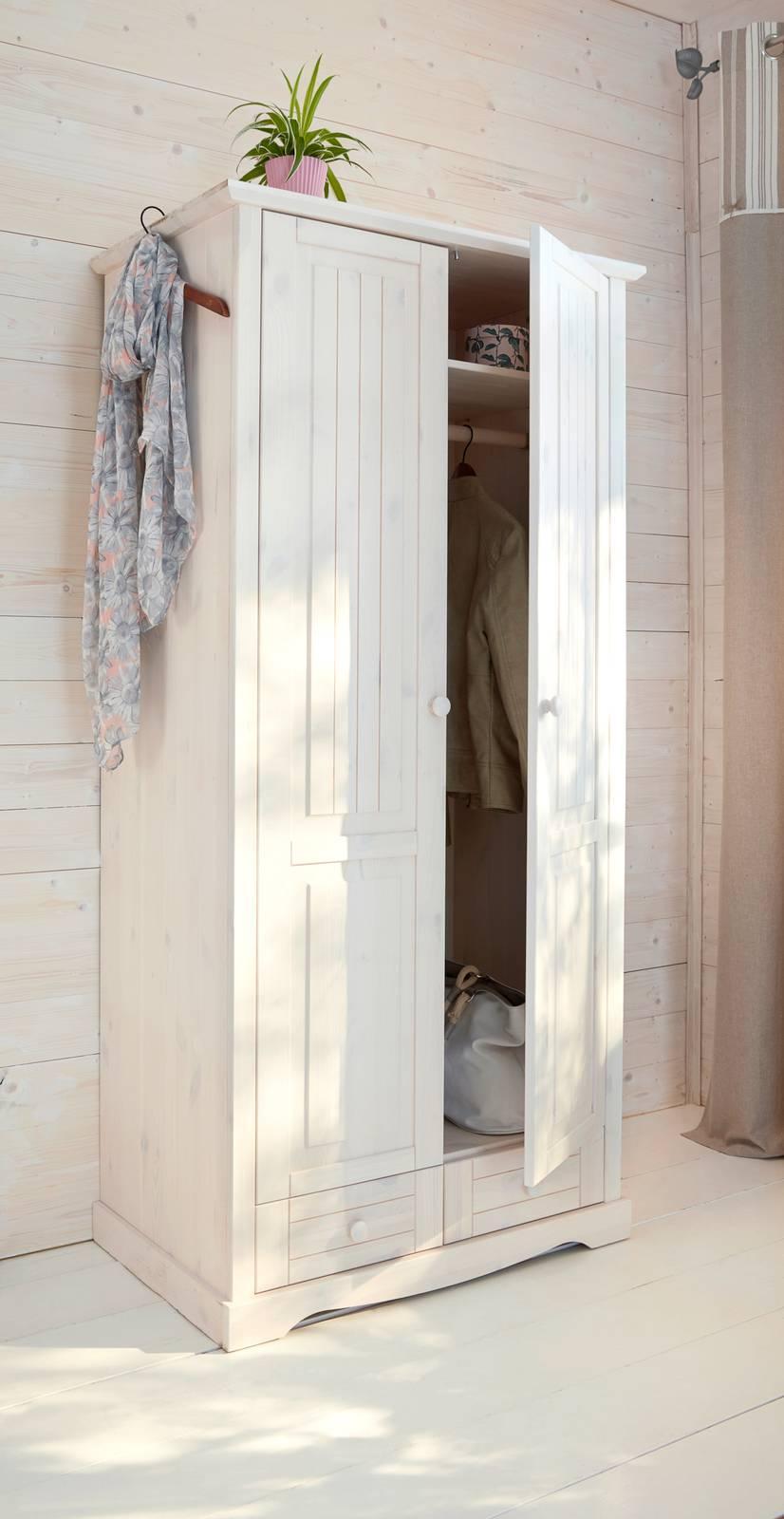 Camera shabby chic, dal letto allo specchio - Cose di Casa