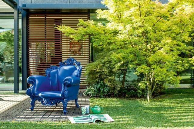 Poltrona Proust (design Alessandro Mendini) di Magis, 2011.