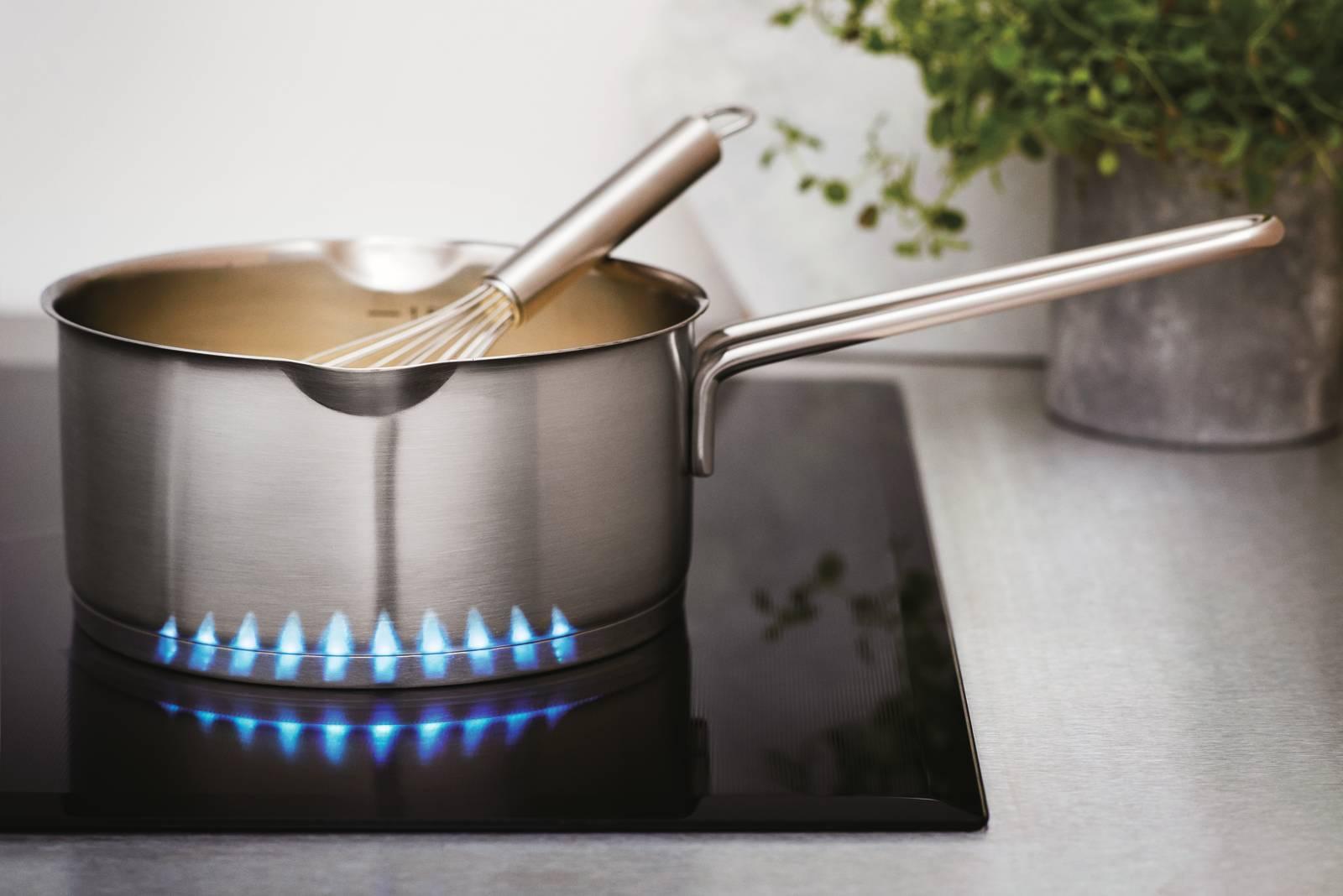 Piano Cottura Induzione O Gas cottura a gas o induzione? 10 piani a confronto - cose di casa