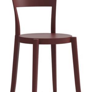 La sedia Torre di Colos, design Alban Le Henry, è realizzata interamente in polipropilene con una linea geometrica e semplice che si ispira alle classiche sedute in legno curvato; è impilabile per ottimizzare lo spazio. Può essere usata sia all'esterno sia all'interno. www.colos.it