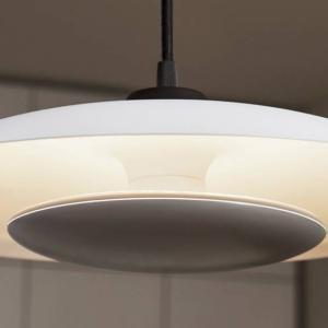 Tibea P di Ledvance è la sospensione corredata di lampadine smart Tibea che diffondono una luce bianca indiretta, regolabile dalle tonalità più calde a quelle più fredde attraverso l'app Ledvance Smart. Misura ø  35 cm. www.ledvance.it