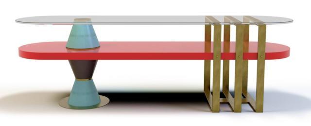 Il tavolino Palm di Marioni riprende le architetture degli Anni Trenta e Quaranta: gli elementi modulari in ceramica smaltata bicolore arricchiscono la struttura in ottone spazzolato con i piani  in legno laccato e vetro extrachiaro. Misura L 150 x P 50 x H 50 cm. www.marioni.it