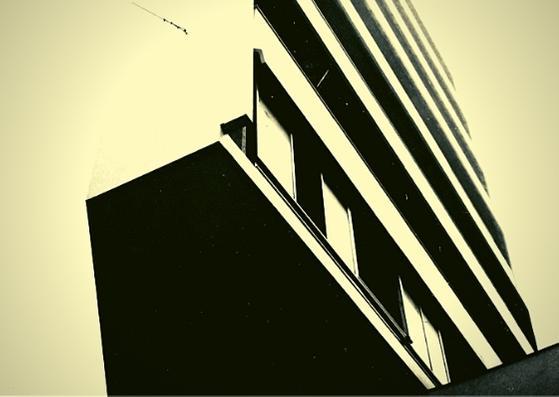 """Una foto della mostra """"MILAN l'è on gran MILAN"""" (Milano dalla ricostruzione al boom economico) che sarà allestita lungo via Montenapoleone dal 9 al 14 aprile 2019 in occasione della Milano Design Week."""
