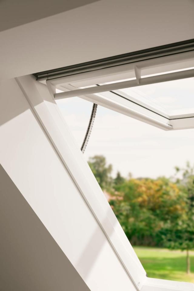 velux nuova finestra con apertura a vasistas 45°