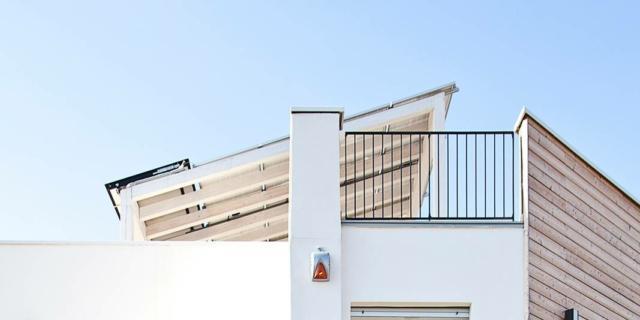 facciata intonacata della casa coibentata con isolanti naturali