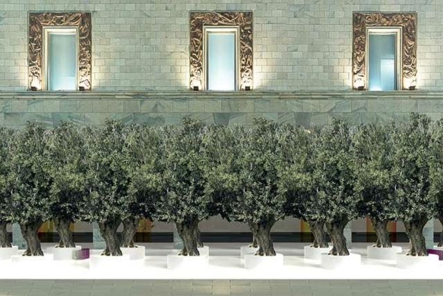 L'installazione The Green Life: un evento dedicato a chi ha una passione per il verde di Sabine Marcelis, sarà posizionata in Piazza Duomo di fronte alla Rinascente.