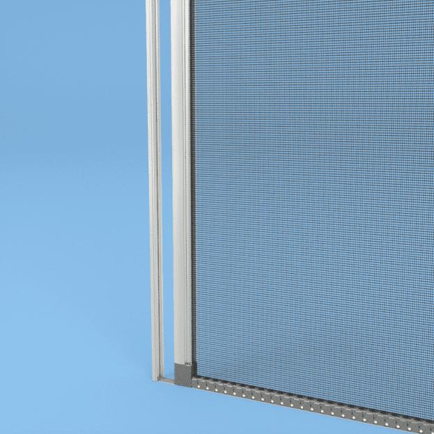 La zanzariera Sintesi di Palagina con scorrimento laterale con carro è dotata di una speciale forma a S che garantisce scorrevolezza e nessun componente in movimento, filo o flessometro. La rete è ad alta trasparenza, facile da pulire e permette una perfetta visibilità verso l'esterno riducendo al minimo l'effetto filtrante delle normali reti. Il carro, inoltre, consente un elevato inserimento della rete evitando fuoriuscite indesiderate a causa del vento. Il finecorsa brevettato evita lo srotolamento indesiderato del tubo rete, garantendo così una tenuta più efficace della rete e aumentando la planarità del sistema. I sistemi di sgancio previsti della barra maniglia possono essere con magnete, senza profilo a muro con blocco a terra o Quick Lock per aprire la zanzariere con un click. La guida a terra consiste in una piattina di PVC o alluminio di pochi millimetri, che può essere anche eliminata per garantire la totale assenza di barriere architettoniche. Realizzabile su misura, è modulabile per rispondere a tutte le esigenze di configurazione, arriva fino a 2,10 mt di larghezza massima.