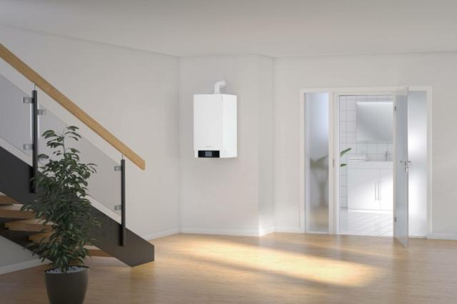 Vitodens 200-W di Viessmann è la prima caldaia a condensazione al mondo con campo di modulazione fino a 1:20, una capacità che permette la riduzione delle accensioni consumando meno, abbattendo le emissioni inquinanti, facendo minor rumore e durando più a lungo. Tra i caratteri distintivi del modello, la qualità dei materiali e la tecnologia all'avanguardia, che caratterizzano lo scambiatore di calore Inox-Radial in acciaio inox, il bruciatore a irraggiamento MatriX e il nuovo software Lambda Pro Control Plus per controllo di combustione e portata d'aria, componenti brevettati che garantiscono sempre la massima efficienza di funzionamento. Abbinata a specifico telecomando può essere gestita da remoto. Accede alle detrazioni fiscali del 65%. Prezzo da listino, considerando la versione istantanea, Vitodens 200-W con Vitotronic 200 (touch display, funzionamento climatico): a partire da 3.310 euro.