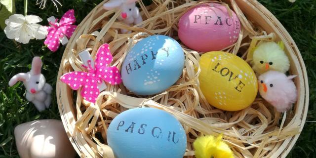 Uova decorate per la tavola di Pasqua