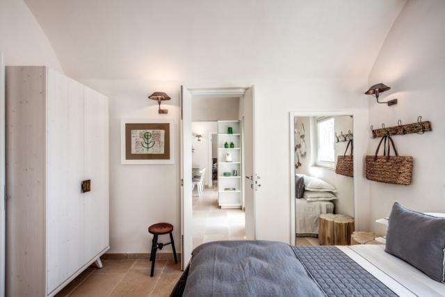 CAMERA casa di campagna a ostuni con recupero lamia e trullo