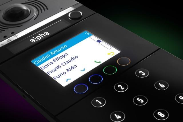 Versione digitale con display e pulsanti soft touch
