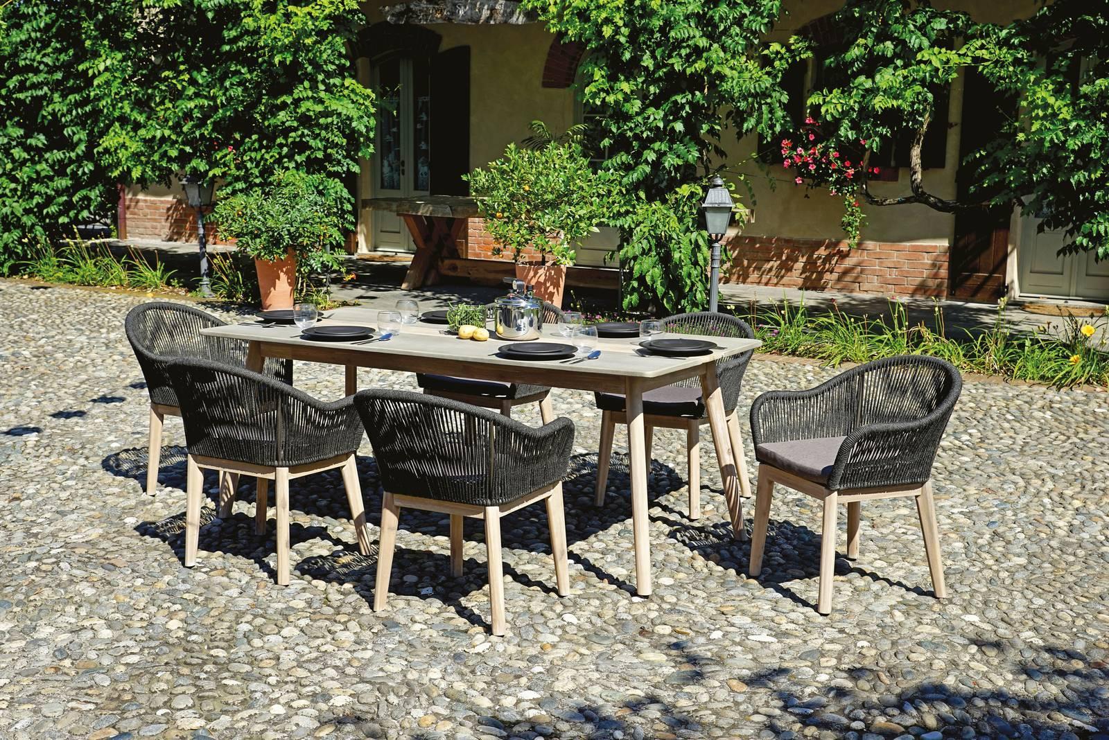 Tavoli per esterno con sedie per giardino o balcone for Cose per giardino