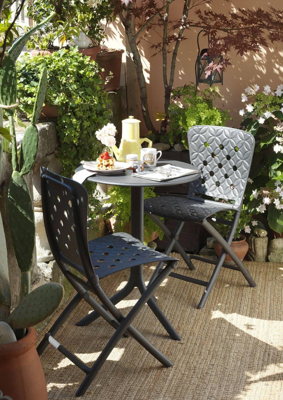 Tavoli E Sedie In Plastica Da Giardino.Tavoli Per Esterno Con Sedie Per Giardino O Balcone Cose Di Casa