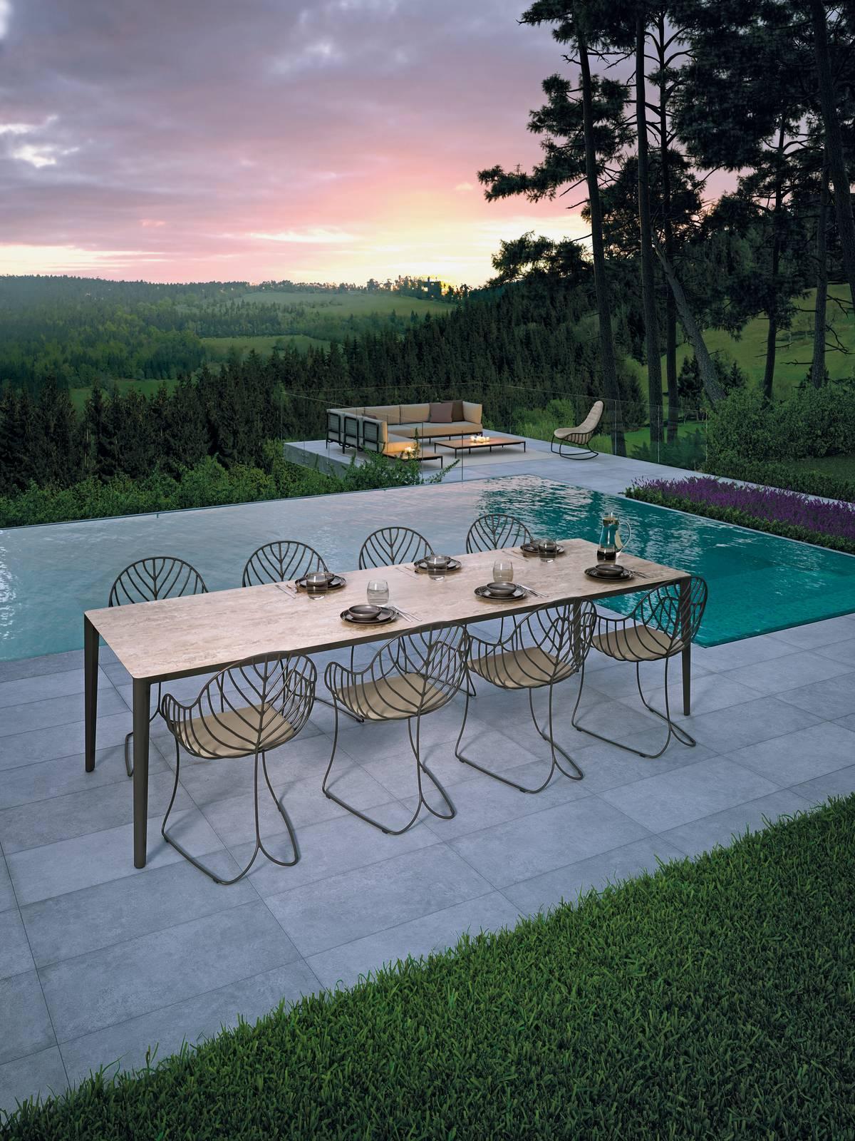 Tavoli Di Pietra Da Giardino.Tavoli Per Esterno Con Sedie Per Giardino O Balcone Cose Di Casa