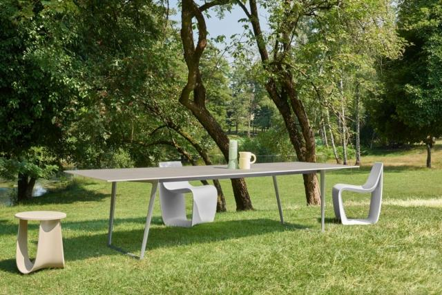 Tavolo Axy outdoor, sedia Sign, sgabello Sag