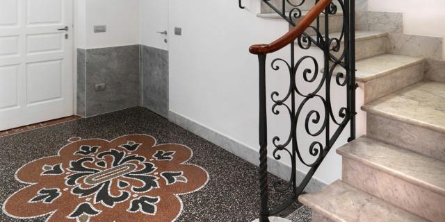 Lo zoccolino giusto per le pavimentazioni storiche in seminato e graniglia