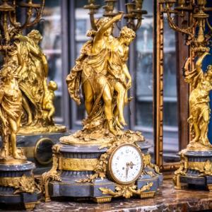 Orologio del 1700 in bronzo e marmo
