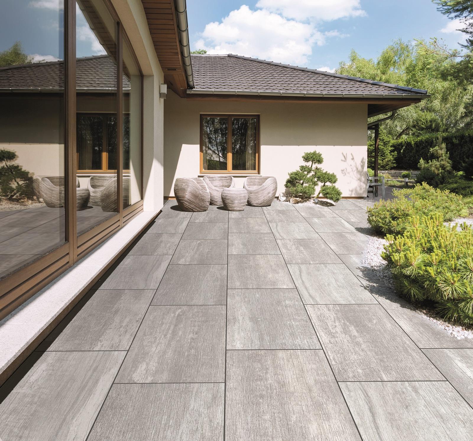 Giardini Per Case Moderne piastrelle per esterni. in gres e non solo. materiali e foto