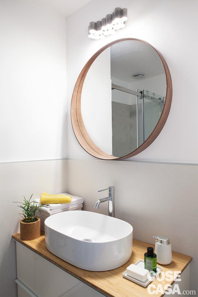 bilocale mini, bagno, mobile, lavabo da appoggio ovale, miscelatore, specchio, faretti