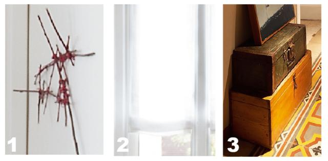 1. Sulla parete della camera, a lato del letto, la composizione decorativa e naturalmente irregolare è stata realizzata dalla progettista intrecciando veri rami che sono stati poi laccati in rosso. 2.Sono stati scelti tendaggi in tessuto di lino bianco con sistema di apertura a pacchetto: i pannelli aderiscono al vetro e si sollevano ripiegandosi su se stessi, senza ingombro ai lati. 3. Nei diversi ambienti abbondano pezzi vintage acquistati nei mercatini. In particolare la proprietaria ha una vera passione per i vecchi bauli da viaggio in legno e cuoio che, impilati, sostituiscono le madie.