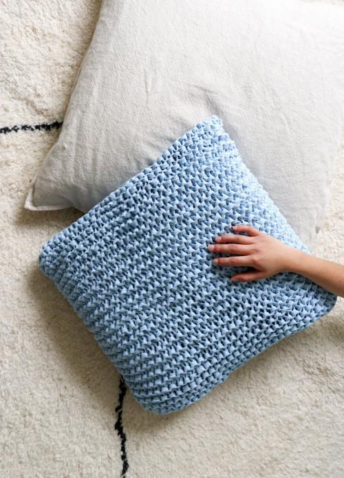 knitting-kit-fabric-yarn-accessories-breakwater-cushion_EN-01
