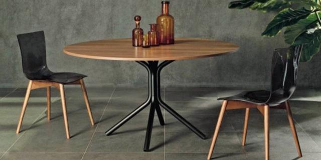 Tavolo rotondo: 4 proposte, con le sedie da abbinare