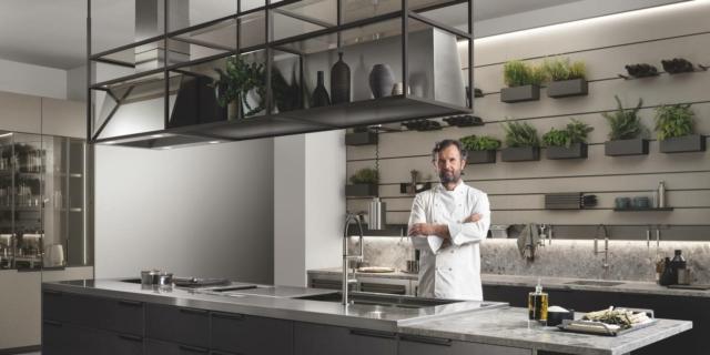 """Nella """"sua"""" cucina Scavolini, Cracco protagonista di un nuovo format per la tv"""