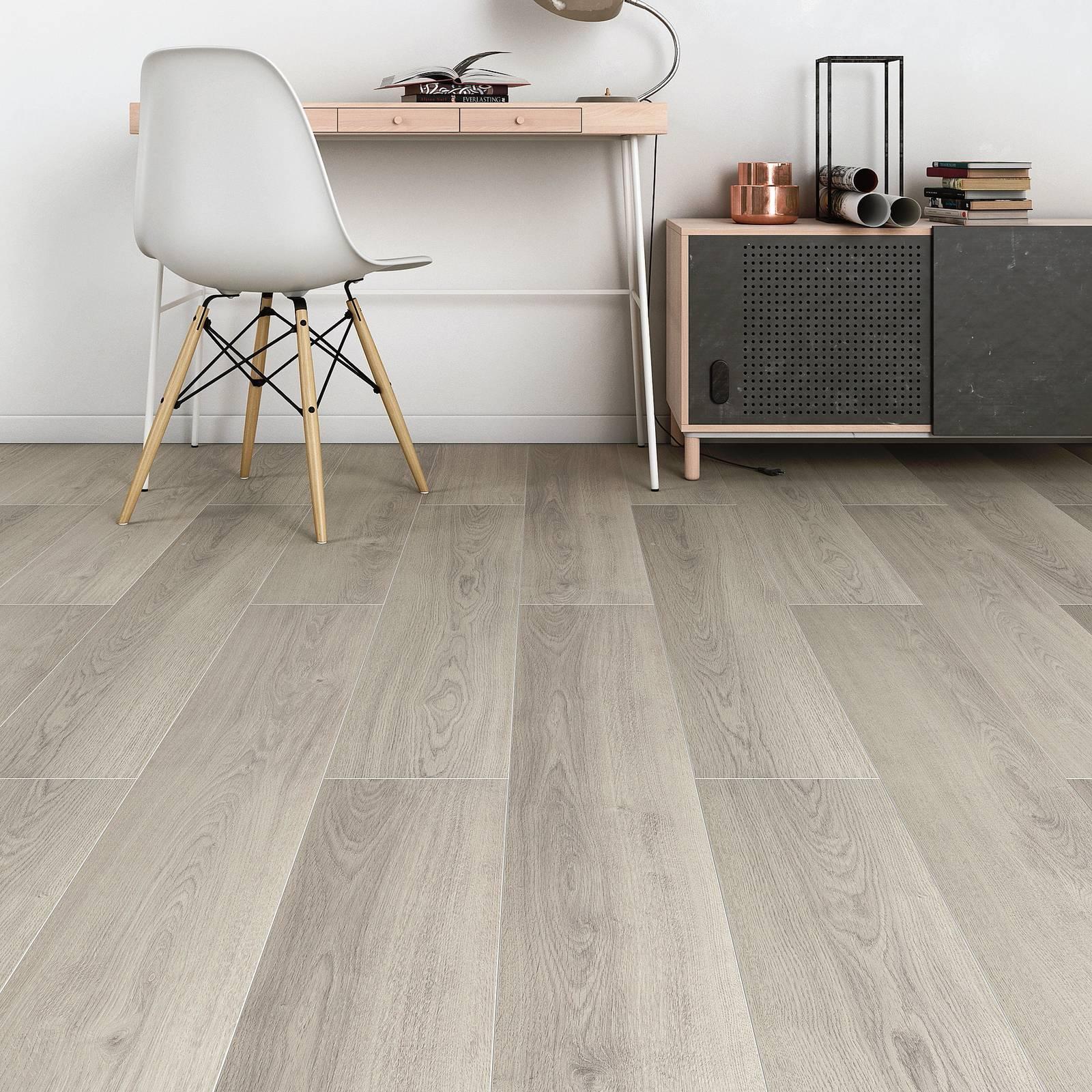 Pavimento In Pvc Effetto Legno da leroy merlin, laminato e vinilico effetto legno, senza