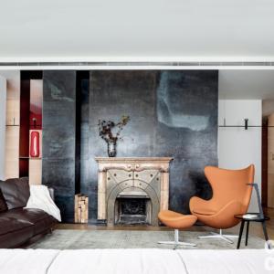 Una Casa Con Spazi Irregolari Ben Risolti Con Pareti In Legno Cose Di Casa
