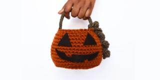 Halloween: per i dolcetti c'è il cestino a forma di zucca. Ecco come realizzarlo