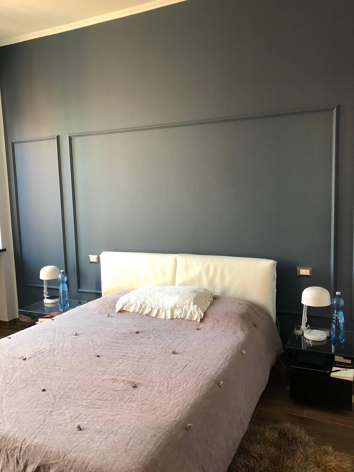 Cornici Gesso Per Pareti relooking: trasformare la camera da letto a costi contenuti