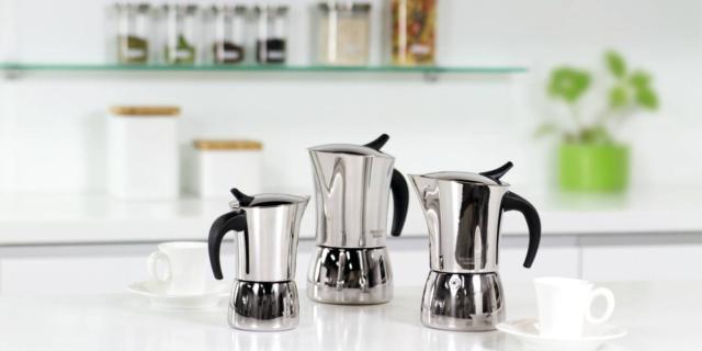 Moka in acciaio per un caffè salutare