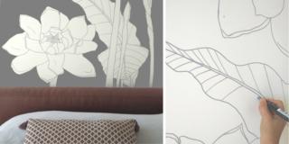 parete grigia dipinta con grandi fiori fai da te