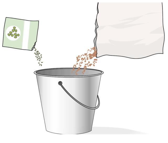 2. La semina deve essere fatta a spaglio ma, perché i semi si diffondano in maniera omogenea, si provveda a mescolarli con sabbia o terriccio in uguale proporzione. I semi del trifoglio rosso sono estremamente piccoli per cui, se non vengono mescolati, si rischia si accumulino in chiazze. Tra la sabbia e il terriccio non c'è differenza, si tenga solo presente che più il composto è fertile, più aumenta il rischio della crescita di infestanti.
