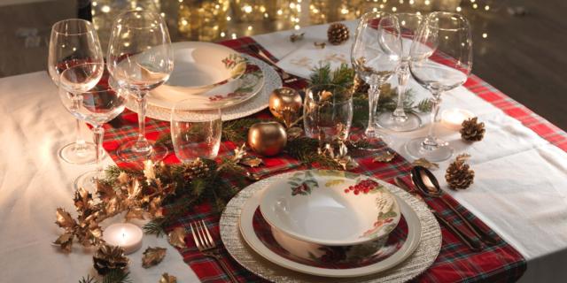 Rosso, oro, bianco, naturale… quali colori per la tua nuova tavola di Natale?