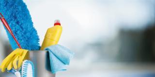 Pulizie di casa con rimedi fai da te, preparando da soli detergenti naturali. 10 problemi risolti