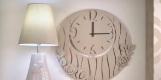 wald-domus vivendi-orologio e lampada
