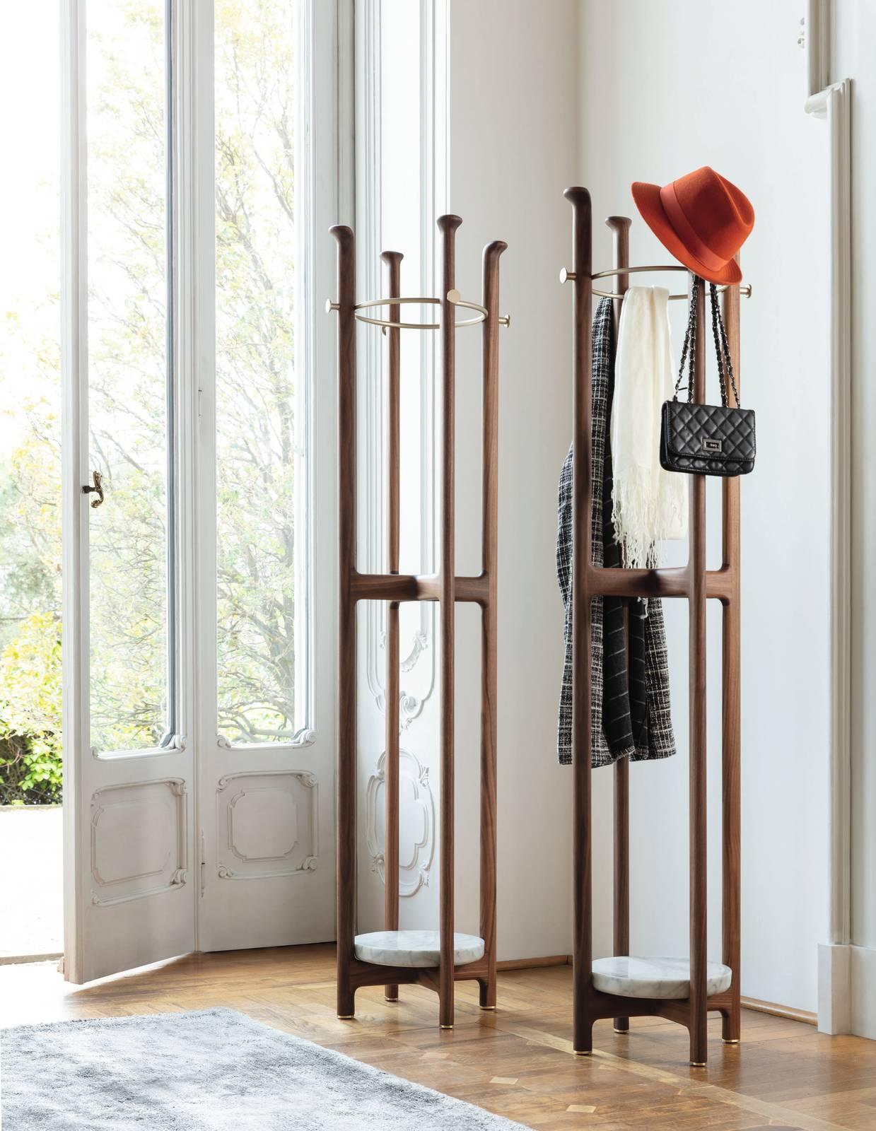 Appendiabiti Da Ingresso Chiuso appendiabiti da terra e da parete: design e praticità per