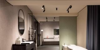 arredo bagno nello spazio del gruppo artesi nello showroom pianca e partner a milano foto di Alba Deangelis
