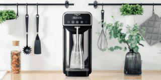 Acqua frizzante casalinga con gasatori e rubinetti speciali