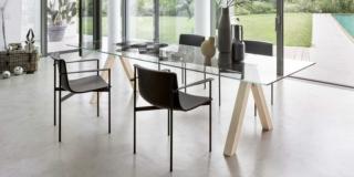 Scegliere il tavolo: essenziale o superdecorativo?